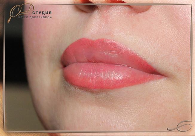 Перманентный макияж губ в СПб (техника растушёвки)